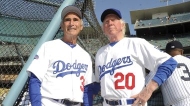 Don Sutton, Hall of Fame pitcher for Dodgers, dies at 75