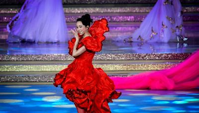Hong Kong singer criticised by the Chinese for wearing Dolce & Gabanna