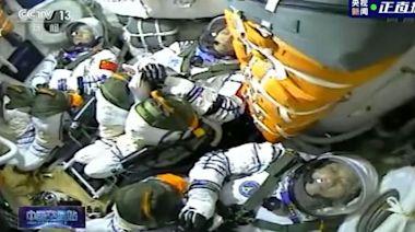 神舟十二號花六小時完成「太空穿針」 | 蘋果日報
