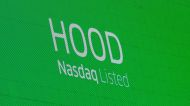 Robinhood spikes, holds well above IPO price
