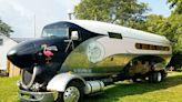 組圖:老兵將二戰舊飛機翻新成超級棒房車