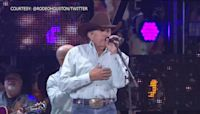 George Strait is heading back to the rodeo in 2022