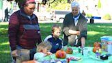 Fall festival closes out farmers market season - The Advocate-Messenger