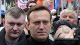 Navalny knocks Apple, Google for removing voting app