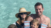 Elizabeth Chambers Judges Cayman Islands Cookout Despite Estranged Husband Armie Hammer's Scandal - Daily Soap Dish