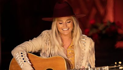 Miranda Lambert Performs 'Tequila Does' in Fringe Jacket and Hat at 2021 CMT Music Awards