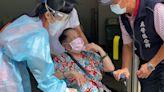 高雄長輩疫苗第2波!83歲嬤到接踵站 改口「擔心過敏不打了」   蘋果新聞網   蘋果日報