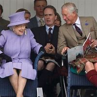 A Rare Look at Queen Elizabeth's Complicated Relationships ...