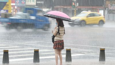 快訊》午後對流旺盛!14縣市大雨特報 桃園、新竹遭雷雨狂轟