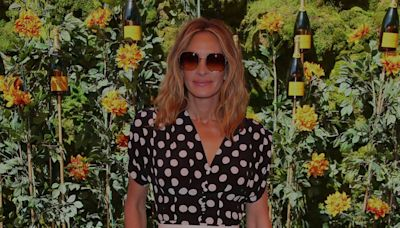Julia Roberts's Casual Flannel Is the Perfect Fall Beach Look