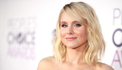 """Kristen Bell Hints at the """"Really Different"""" Twist in the First Episode of HBO Max's Gossip Girl Reboot"""