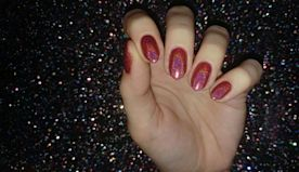 Accent Glitter Nails and More Trends to Try for New Year's Eve
