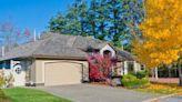 Mortgage rates dip below 3% and give homeowners a new shot at savings