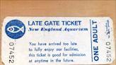 中英對照讀新聞》New England Aquarium accepts ticket saved for over 37 years 新英格蘭水族館認可保存逾37年的門票