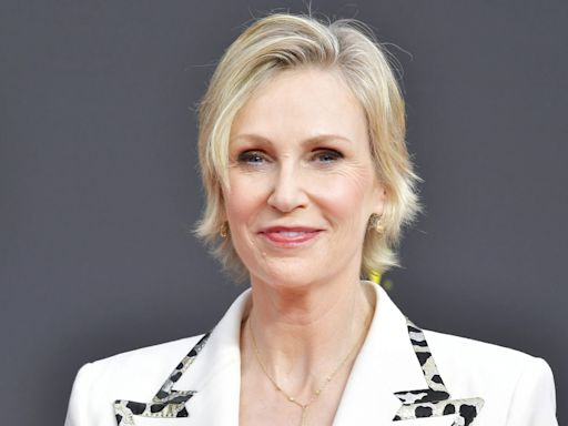 Jane Lynch on Why She Gives Her Dogs Human Names: 'I Knew I Wasn't Going to Have Kids'