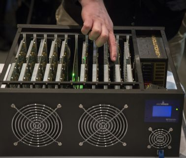 Bitcoin miners make US an industry leader after China crackdown as climate fears weigh