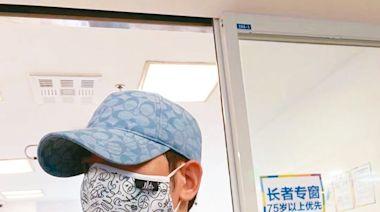 蕭敬騰施打第2劑疫苗 竟先捲入「臉貼臉緋聞風暴」?