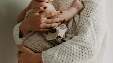 新生兒「大便有血絲」怎麼辦? 小兒科醫師教新手爸媽解決之道 | 蕃新聞