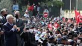El partido islamista de Túnez acepta las elecciones para proteger la democracia del régimen autocrático