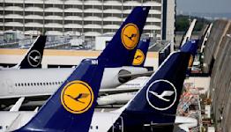 Lufthansa narrows quarterly loss, returns to positive cash flow