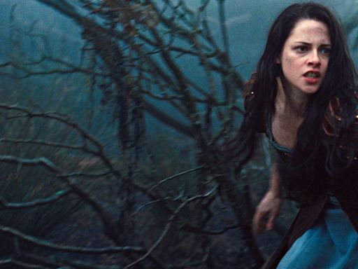 """Kristen Stewart Wasn't in """"Snow White and the Huntsman"""" Sequel Because of a """"Scandal"""""""