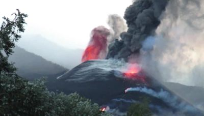 La Palma Volcano Spews Lava and Ash Day After Cone Collapse