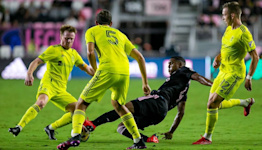 Shorthanded, shoddy Inter Miami defense leads to 5-1 home loss to Nashville SC