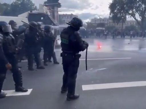法國多地持續爆發反疫苗遊行