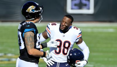 Twitter reacts to Bears re-signing safety Tashaun Gipson