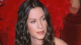 Un documental de Alanis Morissette remueve su duro pasado y ella enfurece