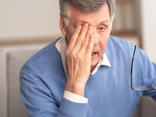 畏光、視力模糊...小心就是「白內障」!眼科醫師公開「治療黃金時間」,錯過恐失明