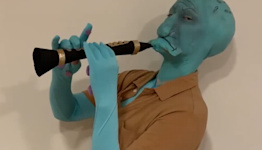 Woman dresses up as Squidward for Halloween and absolutely nails it