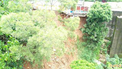 台中潭子湳底巷道路邊坡崩塌 民憂影響通行安全