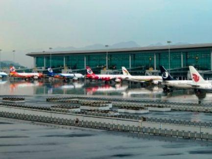 信報即時新聞 -- 上海機場4月旅客吞吐量大升近4倍