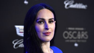 Rumer Willis shares appreciation post for her legs: 'You are beautiful and strong whatever size'