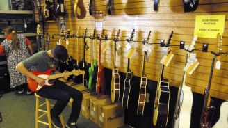 Eagle River's only music store is closing up shop