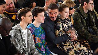 貝克漢一家現身支持貝嫂時裝秀!8歲女兒哈潑清新脫俗,克魯茲、羅密歐帥度猛超哥哥