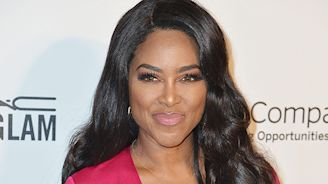 Kenya Moore Shares Sweet Beach Photo With Baby Brooklyn Daly, 7 Months