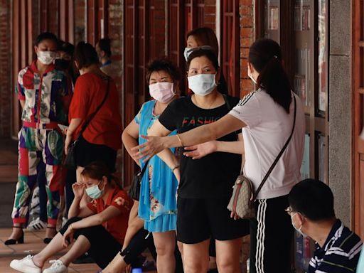 台灣新冠疫情:本地單日確診急升至180,新北台北三級警戒,當局聲言以「更大更強」措施應對
