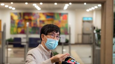 新冠疫苗|袁國勇指mRNA不影響生育 有年輕康復者聞咖啡味變石油 - 新聞 - am730
