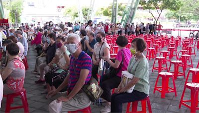 怨花博打苗排好久、入口沒輪椅 民眾怒轟「虐待老人」