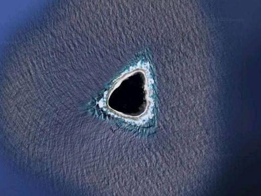 Google地圖發現神秘「抹黑」小島 網:看起來完全不像一座島