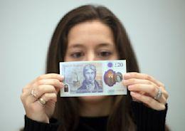 鈔票投胎當堆肥!英國大規模回收20英鎊舊鈔