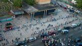 Adultos mayores reclamaron segunda dosis de la Sputnik V en Caracas - El Carabobeño