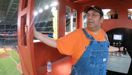 Astros train guy, 'Bobby Dynamite' rides internship to the job of a lifetime