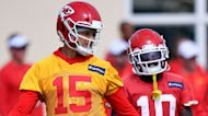 Patrick Mahomes takes another step in concussion protocol by practicing with helmet on Thursday