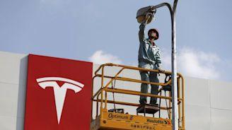 Tesla News: Electric Vehicle Car Company To Borrow $1.4 Billion From Chinese Banks For Shanghai Gigafactory