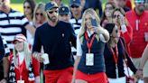 The Social: Team Johnson-Gretzky dominates golf and social media