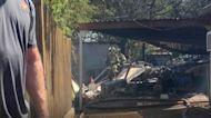 Dos pilotos resultan heridos tras la caída de un avión militar en Lake Worth, Texas