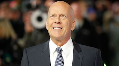 Bruce Willis admits 'error of judgement' over face mask